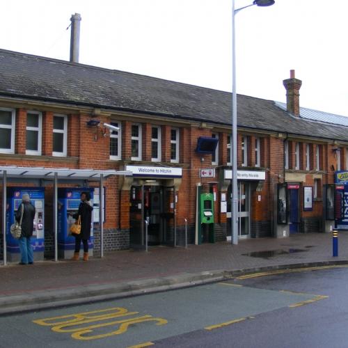 hitchin-station-19